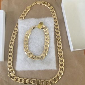 NWT NECKLACE AND BRACELET